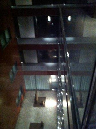 Hotel Vilamari: interior atrium