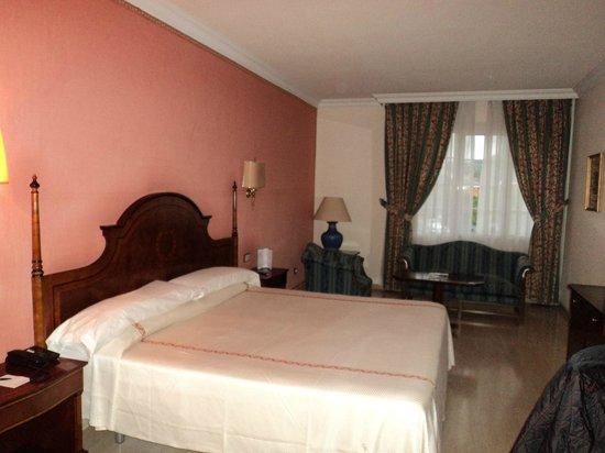 Ayre Hotel Cordoba: Habitación (Cama)