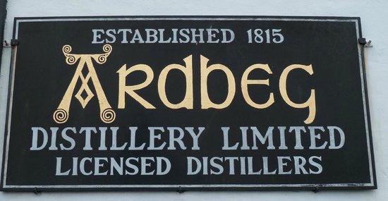 Ardbeg Distillery: Eingangsschild