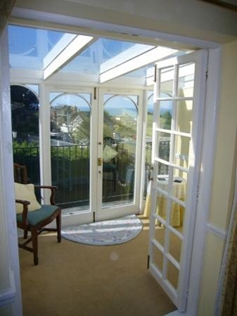 Shelley's: Looking from bedroom into conservatory with open doors