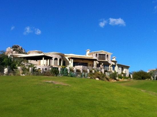 Puerto Los Cabos Golf Club: massive home near tee box