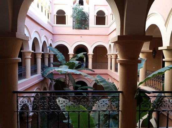 Eden Andalou Hotel Aquapark & Spa: cour intérieur du riad yasmina
