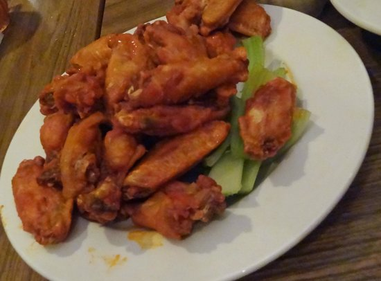 Pane's Restaurant: Chicken WIngs