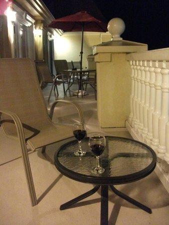 Hotel Chateau Fraser: Le grand balcon pour prendre l'apéro, Château Fraser