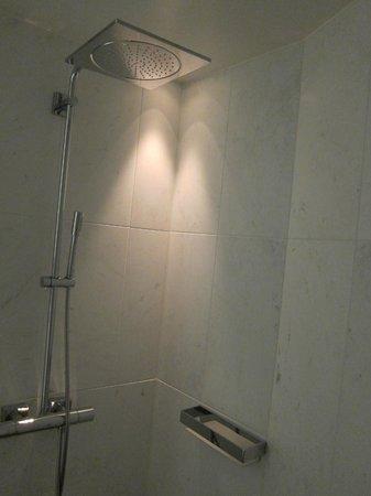 The Thief : Bathroom