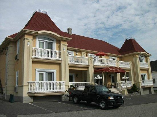 Hotel Chateau Fraser: Hôtel Château Fraser, un grand stationnement gratuit