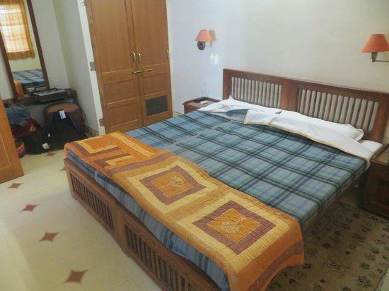 Om Niwas: Bedroom