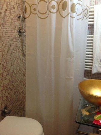 Hotel il Monte : dimensioni bagno...