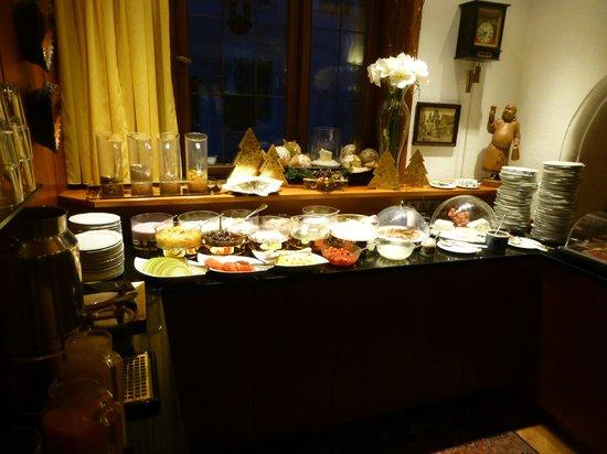 Romantik Hotel Markusturm: Continental breakfast