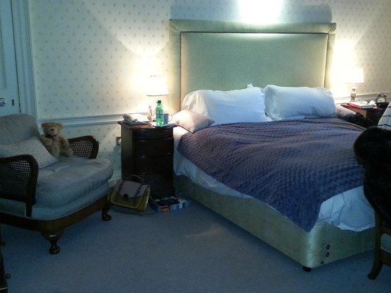Deer Park Country House Hotel: Our upgraded room