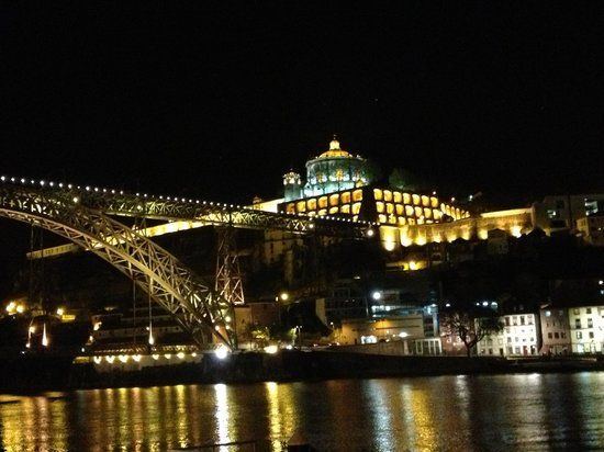 Pestana Vintage Porto : View from the hotel in night time