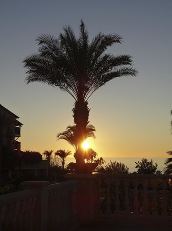 Elysium Hotel: a typical sunset….