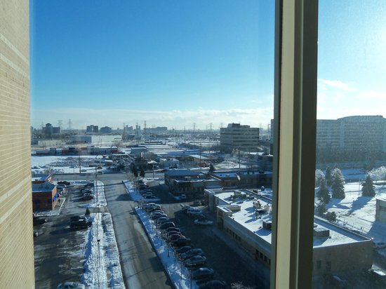 Radisson Suite Hotel Toronto Airport: Outside view from room