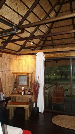 Makhasa Game Reserve and Lodge: Zimmer