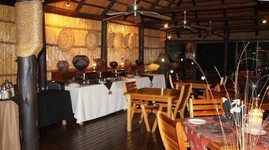 Makhasa Game Reserve and Lodge: Frühstücksbereich