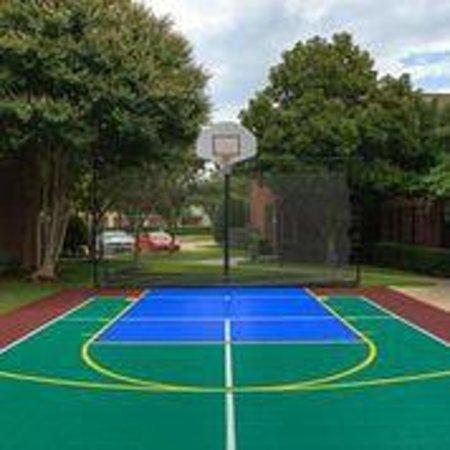 Residence Inn Dallas Addison/Quorum Drive : Sport Court