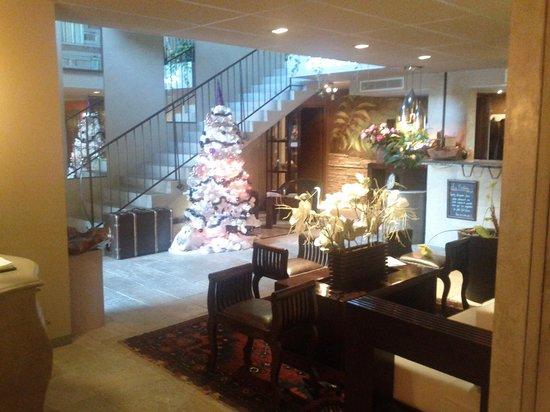 Hotel Bastide de Lourmarin: Front lobby