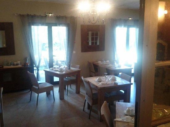 Hotel Bastide de Lourmarin: Dining room