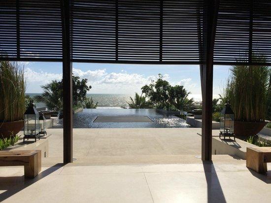 Alila Villas Soori: View from the lobby to the ocean