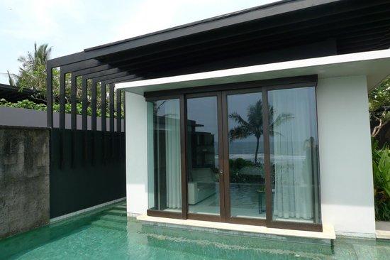 Soori Bali: View into the villa living room