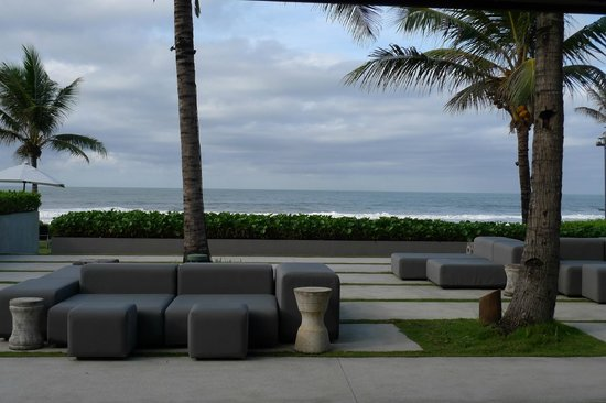Alila Villas Soori: Outdoor lounge area, near large (communal) pool
