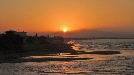 Crowne Plaza Muscat: le coucher du soleil depuis la chambre
