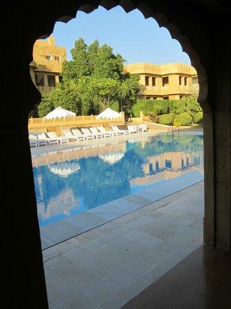 Hotel Rang Mahal: het prachtige zwembad