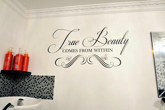 The Shurland Hotel: Beauty Salon