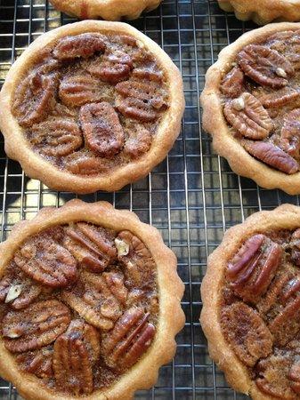 Sweet William's Bakery: Pecan Tarts