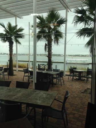 Cobalt The Restaurant: View of Outside Waterfront Patio Dining Area