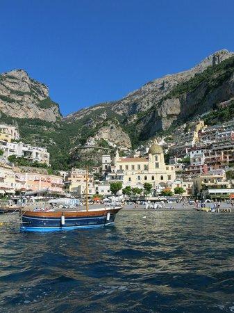 Positano Art Hotel Pasitea: View of Positano on our boat ride to La Sirene