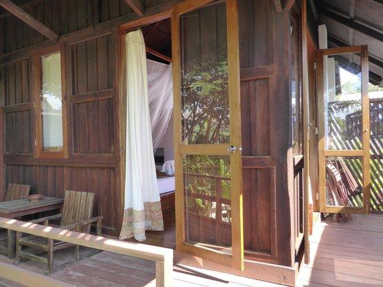 La Maison Birmane: Exterior de la habitación