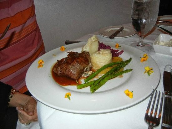 Maison Martinique Restaurant: Filet with blue cheese