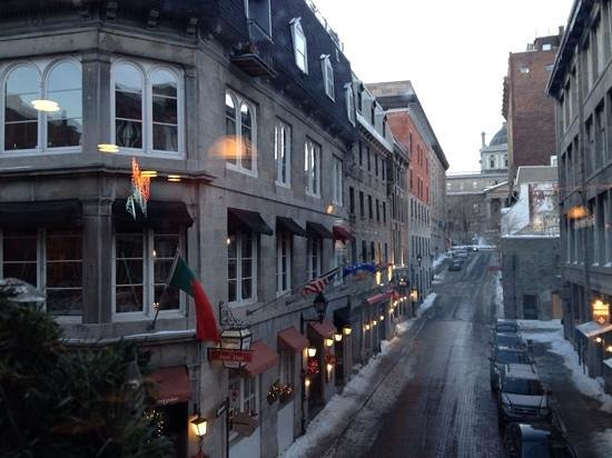 Au Petit Extra : Old Montreal ( not near this resturant).