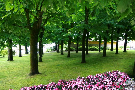 Boutique Hotel Villa Sostaga: beautiful grounds