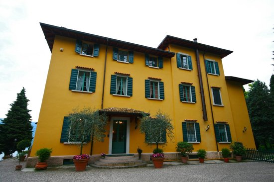 Boutique Hotel Villa Sostaga: the main house
