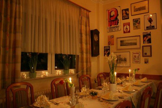 Zum Loewen: Festliche Tafel im Restaurant Zum Löwen