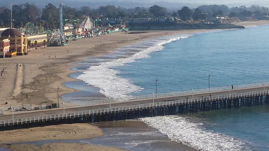 Dream Inn, a Joie de Vivre hotel: Santa Cruz Beach Boardwalk view from our room