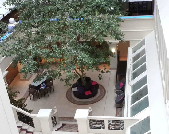 Crowne Plaza Hamburg - City Alster: The courtyard view from my floor