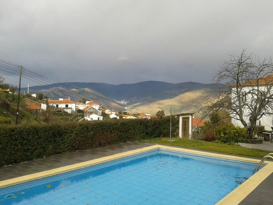 Casa Cimeira: The view from the pool.