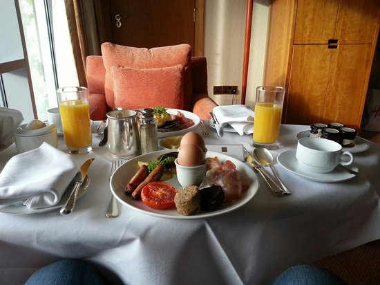 Aghadoe Heights Hotel & Spa: Room Service is a must :-)