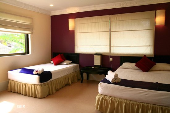 The Villa Siem Reap: Room's so spacious for a single person :)