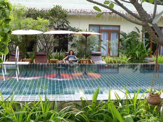 Blue Bird Hotel: Piscina muy bonita