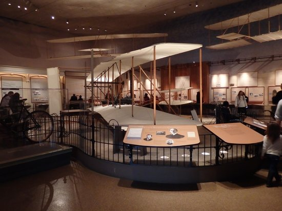 National Air and Space Museum: Wright Brothers' plane