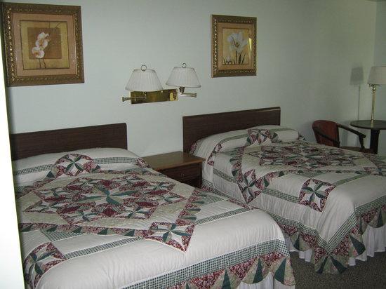 Sleepy Hollow Motel: Clean & Comfy ~ Plain & Simple