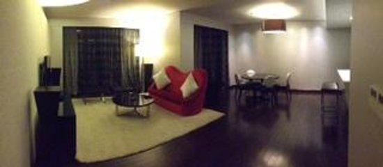 Le Meridien Xiamen: downstairs of villa suite