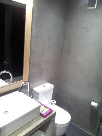 Hotel Zenit Abeba : Baño habitación