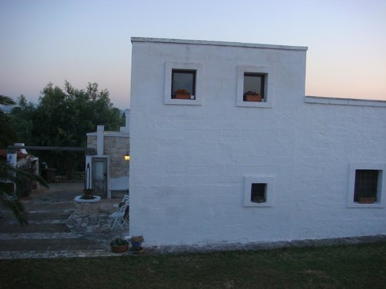 Cinque Stalle: main building with one guest room (separate entrance)