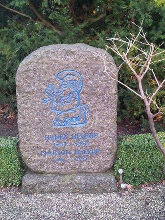 Assistens Cemetery: необычный памятник