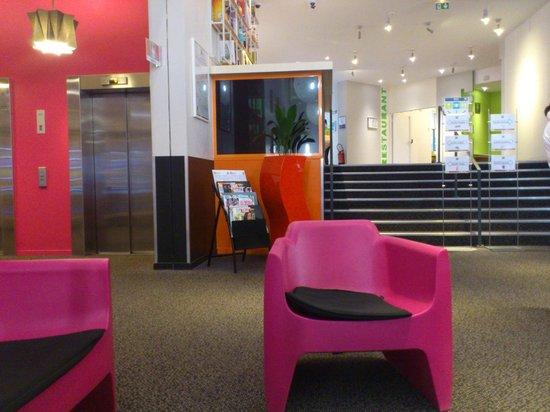 Ibis Styles Paris Bercy: Reception area